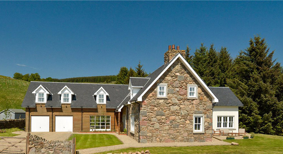Traditional style in a modern-build country home ...